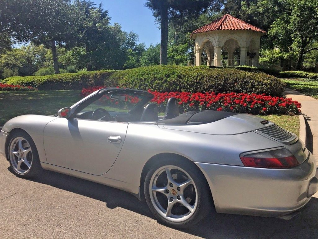 BEAUTIFUL 2004 Porsche 911 Carrera Cabriolet